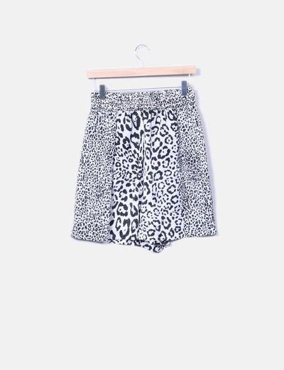 Short fluido animal print Zara