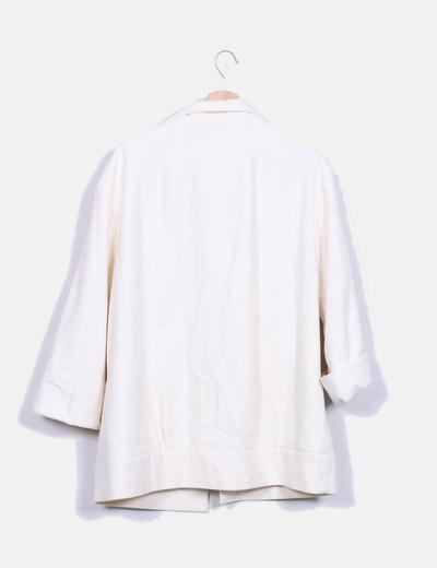 Abrigo blanco texturizado
