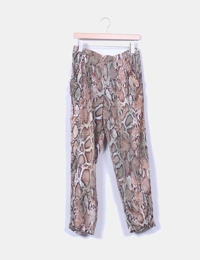 Pantalón baggy estampado serpiente Zara