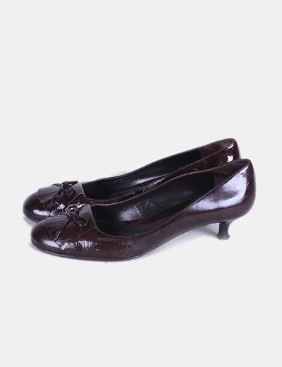 Zapato marrón acharolado System action