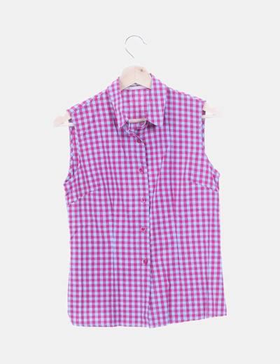 Camisa de cuadros con manga sisa