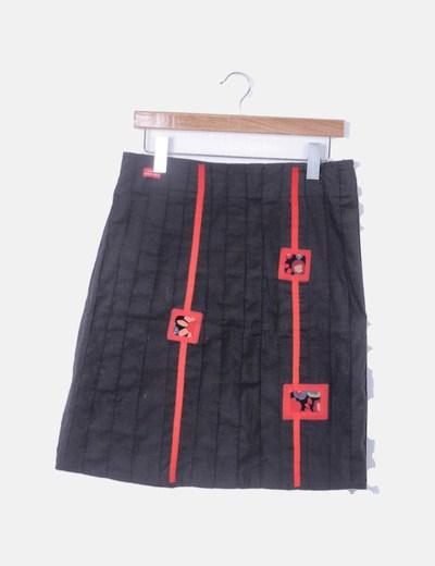 Falda negra con parches