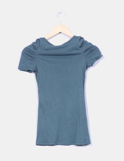 Camiseta verde mangas drapeadas