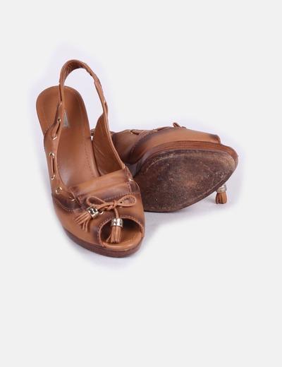 Zapato peep toe cuna de madera