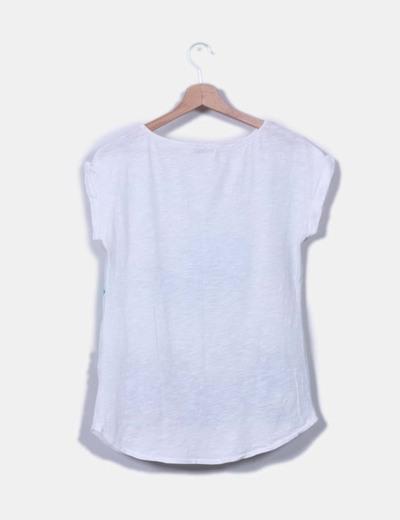 Camiseta blanca estampado tropical
