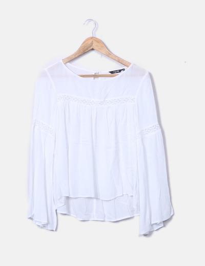 Blusa blanca manga acampanada
