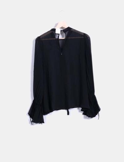 Blusa negra mangas campana