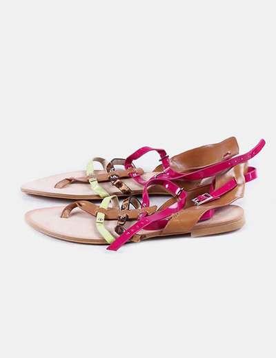 Sandalia plana tiras colores