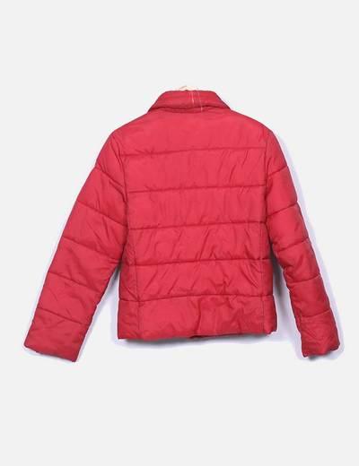 Chaqueta roja acolchada