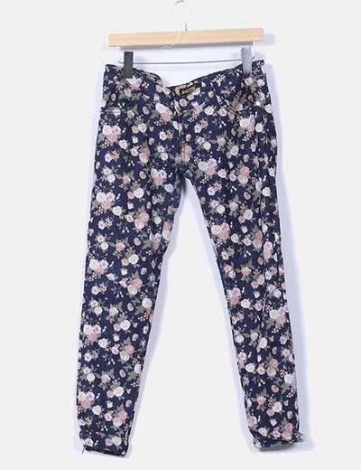 Jeans denim pitillo floral NoName