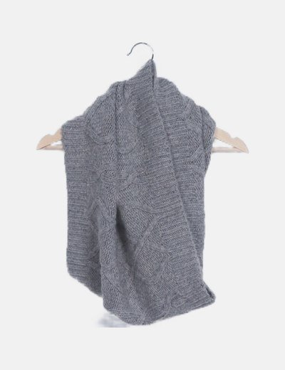 Cuello de punto gris