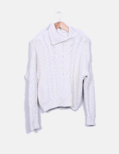 Jersey crudo de punto cuello cisne Zara