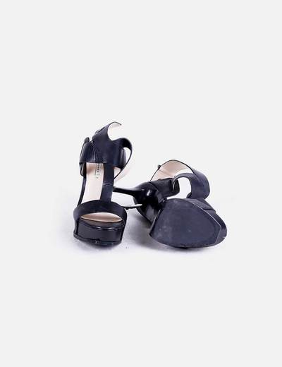 Sandalia tacon negra tiras