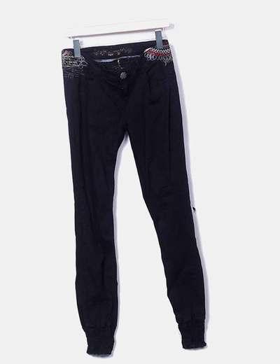Pantalón negro bordado Desigual