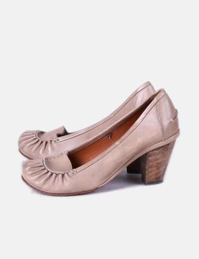 Zapatos de tacon beige