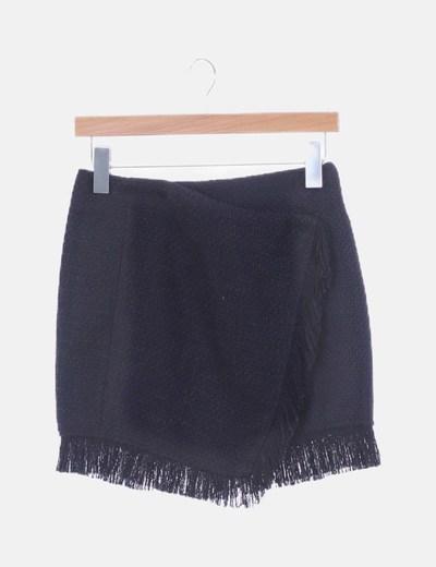 Mini falda tweed negra cruzada con flecos
