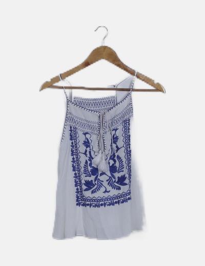 Blusa blanca bordado étnico