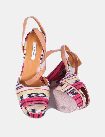 Zapato de tacon con plataforma