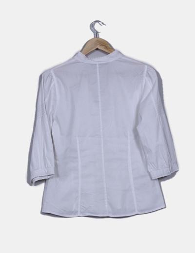 Camisa blanca con manga francesa