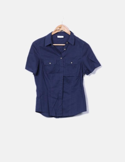 Camisa azul marina de manga corta