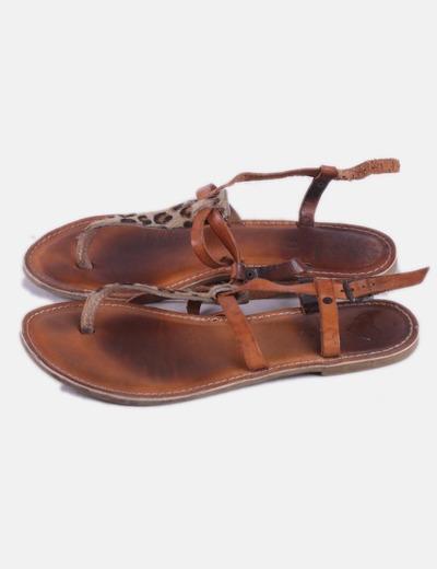 Sandalia marrón animal print
