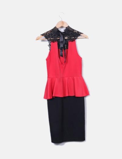 Vestido negro con rojo