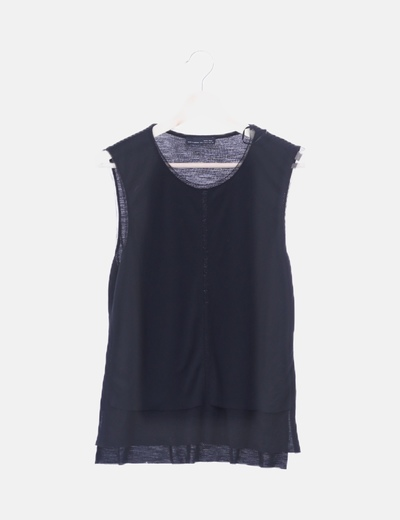 Blusa negra con malla sin mangas