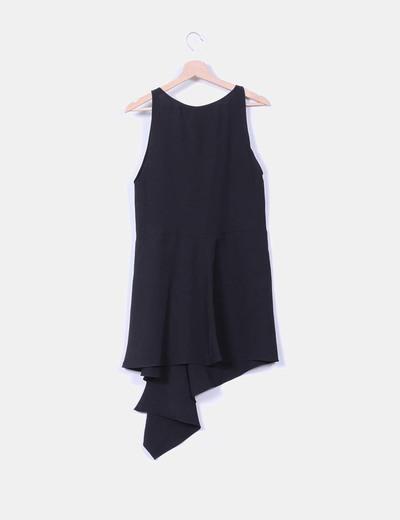 Vestido midi negro corte asimetrico