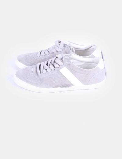 Chaussures grises de sport en daim Pull&Bear