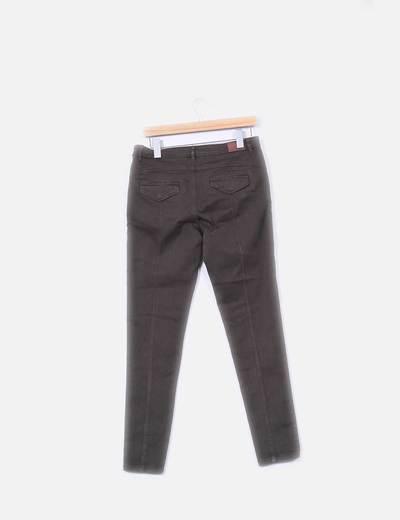 Pantalon pitillo verde con bolsillos