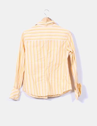 Camisa de rayas amarilla