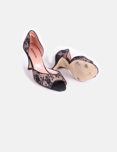Zapato negro de encaje
