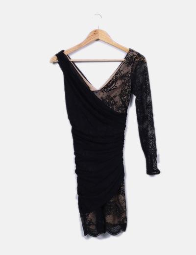Vestido cocktail negro drapeado