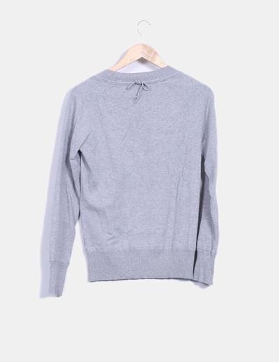 Jersey gris escote redondo