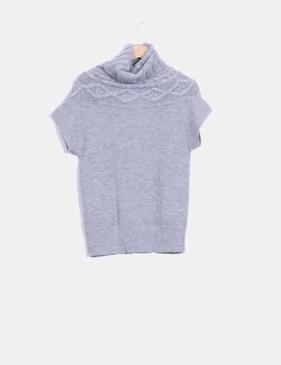 Tricot gris de cuello alto