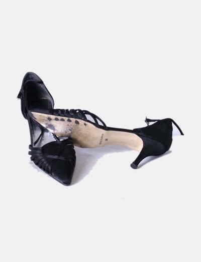 Zapato negro con tiras
