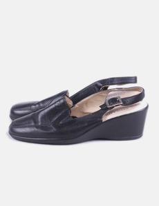 Zapato negro destalonado cuña Pitillos e0fa52742d18
