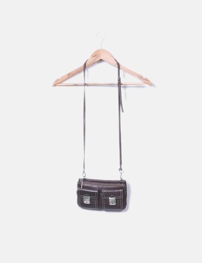 Bolso marrón compartimentos