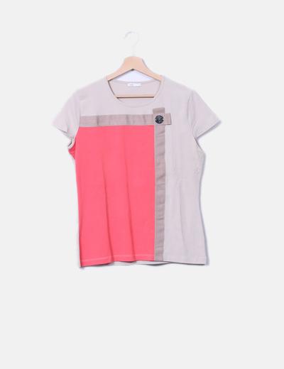 Camiseta bicolor detalle logo Hongo