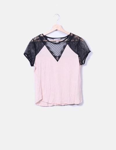 T-shirt noir avec de la dentelle H&M