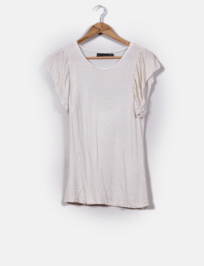 Camiseta cruda con brillos dorados Zara