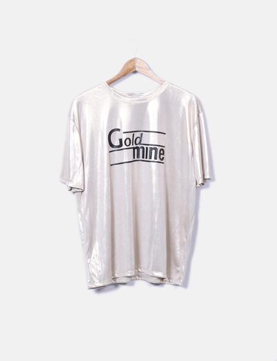 Camiseta fluida dorada con letras Zara