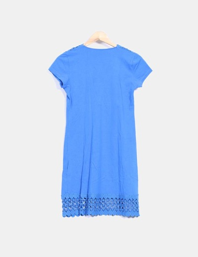 Vestido azul con crochet