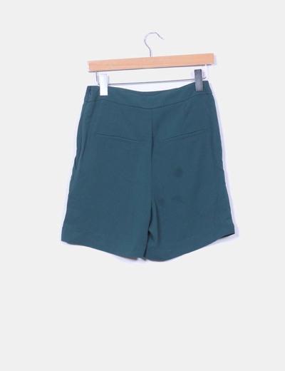 Pantalon verde detalle botones