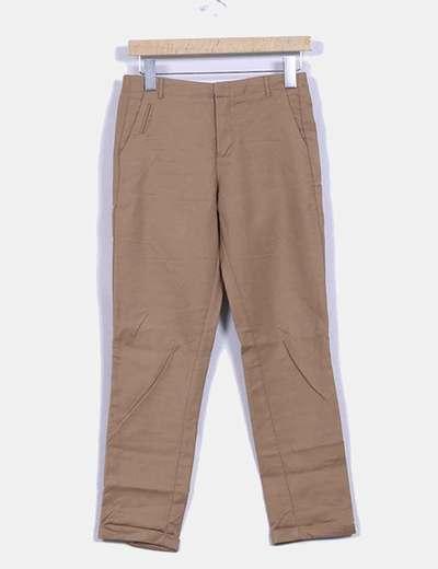 Pantalón marrón con dobladillo Bershka