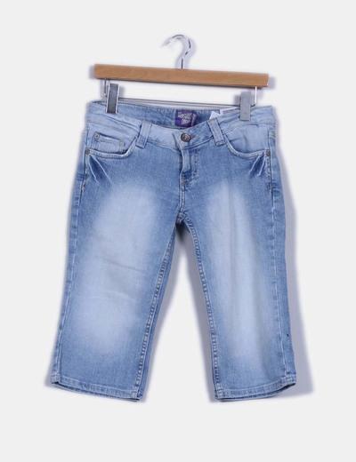Pantalón demin pirata detalle brillos en bolsillos Bershka