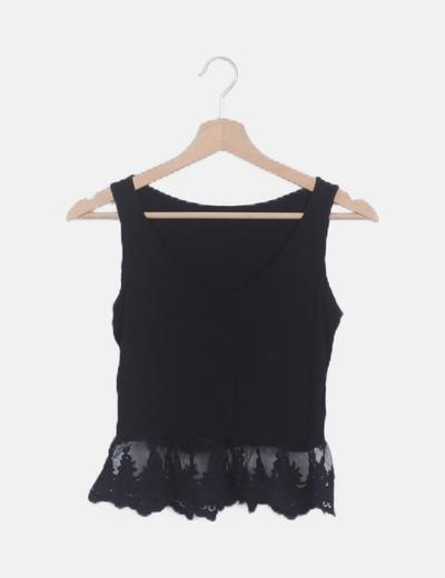 Blusa peplum encaje negra