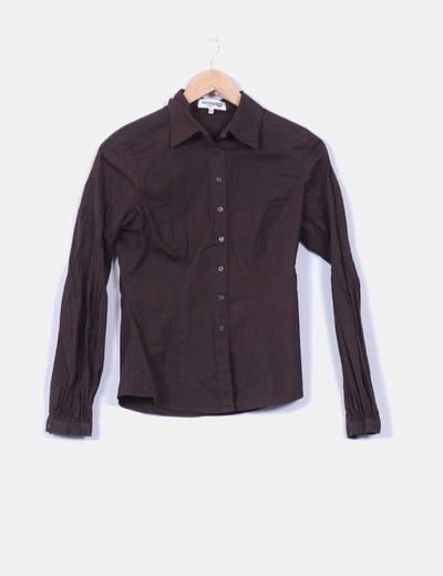 Camisa manga larga marrón  Fórmula Joven