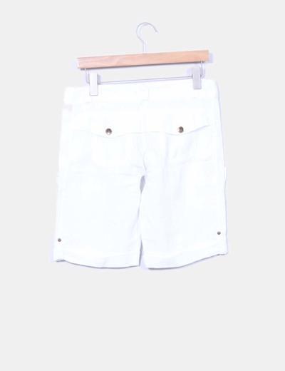 Bermuda blanca de lino