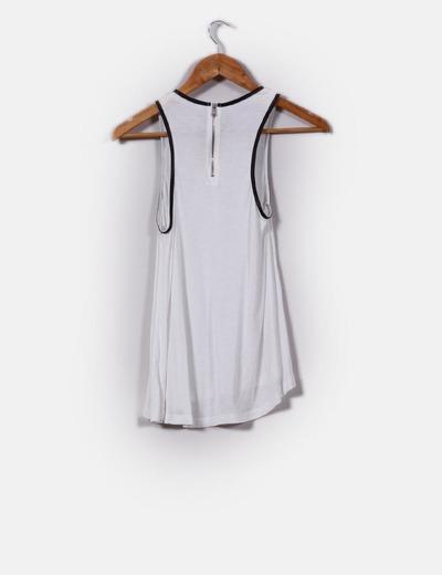 Zara Top branco com detalhes em pele sintética (desconto de 70%) - Micolet c7b749728dbb